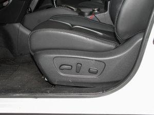 2017款2.5L CVT四驱豪华版  座椅调节
