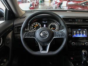 2017款2.5L CVT四驱豪华版  方向盘