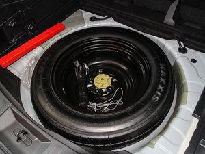 2017款2.5L CVT四驱豪华版  备胎