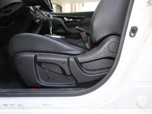 2017款2.0L XV TOP CVT旗舰版 座椅调节