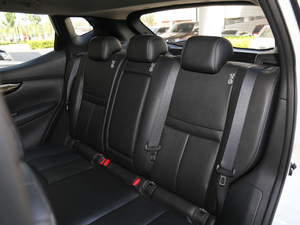 2017款2.0L XV TOP CVT旗舰版 后排座椅