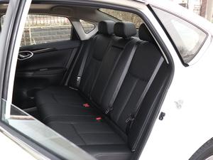 2018款1.6XL 手动豪华版 后排座椅