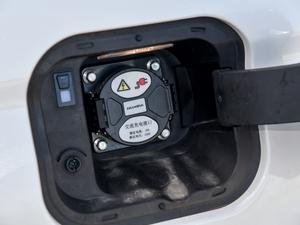 2018款1.5T PHEV领航型 油箱盖打开