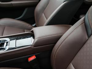 2019款EV460 智享版 前排中央扶手
