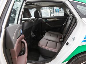 2019款EV460 智享版 后排空间