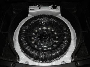 2018款1.5T 自动炫酷型 备胎