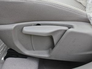 2012款1.5L 自动运动版 座椅调节