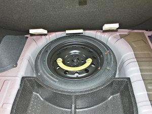 2012款1.5L 自动运动版 备胎