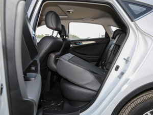 2016款1.6L 自动俊酷型 后排座椅放倒