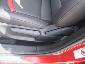 2017款1.5T 自动炫色型 座椅调节