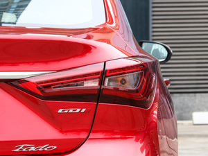 2018款1.6L GDI 自动尊尚型 尾灯