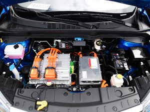 2018款350i 发动机