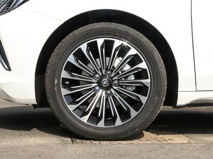 2018款1.6L GDI 自动领潮型 轮胎