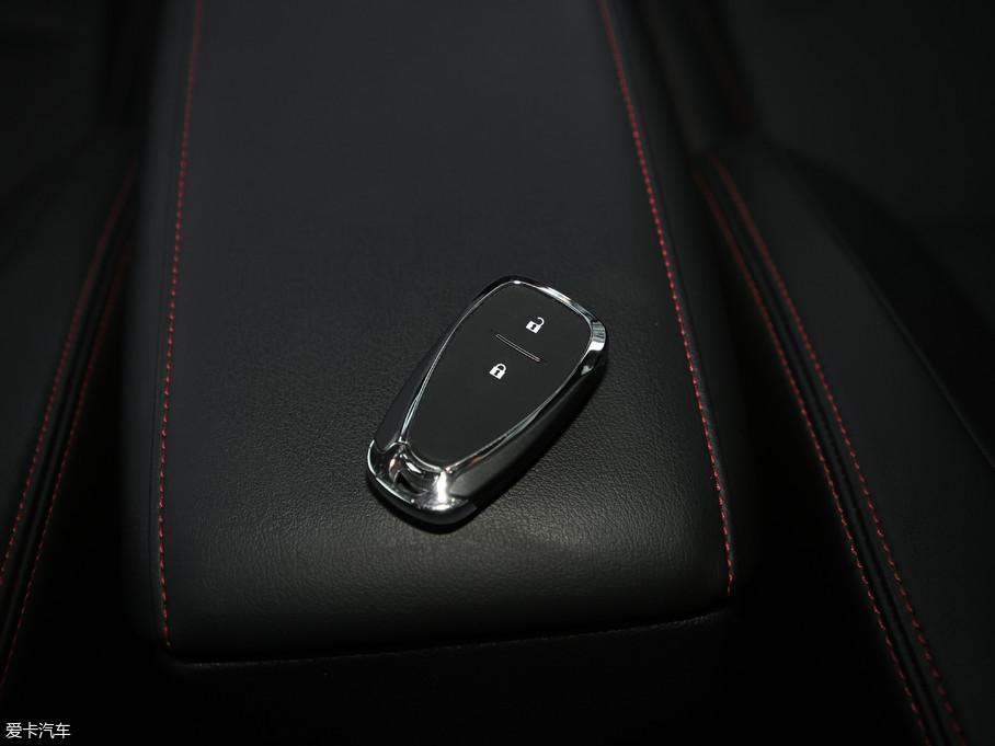 2018款沃兰多Redline 530T 自动耀享版 5+2款