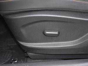 2018款530T 米奇定制版 5+2款 座椅调节