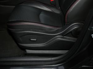 2018款Redline 530T 自动耀享版 5+2款 座椅调节