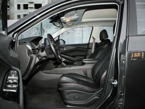 2018款Redline 530T 自动耀享版 5+2款 前排空间