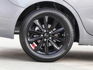 2019款Redline 320T 双离合爽快版 轮胎