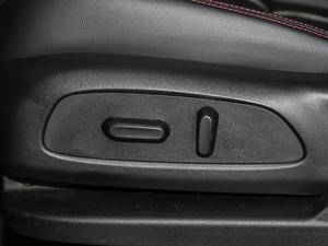 2019款Redline 550T 自动四驱拓界版RS 座椅调节