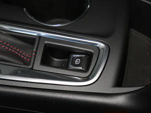 2019款Redline 550T 自动四驱拓界版RS 驻车制动器