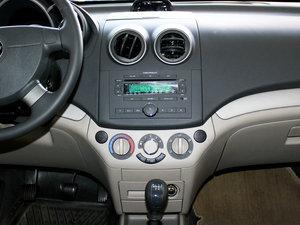 2010款1.6L 手动魅动版 中控台