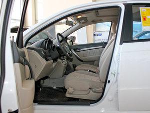 2010款1.6L 手动魅动版 前排空间