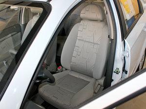 2010款1.6L 手动魅动版 前排座椅