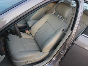 2013款1.8 SX自动豪华版  前排座椅