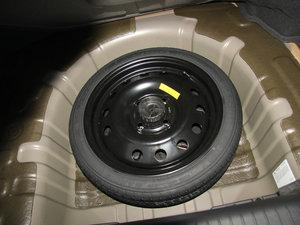 2013款1.8 SX自动豪华版  备胎