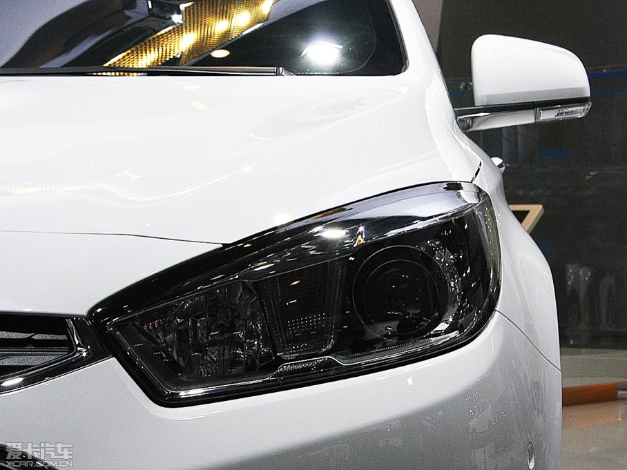 2015款科鲁兹三厢 经典版 1.5L 手动SE