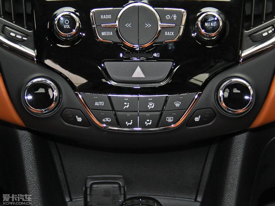 2015款科鲁兹三厢1.4t dcg旗舰版
