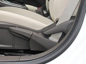 2015款经典版 1.5L 手动SL 座椅调节