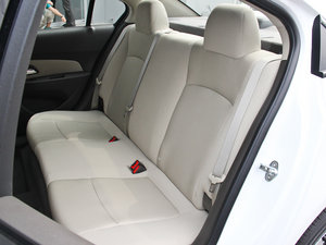 2015款经典版 1.5L 手动SL 后排座椅