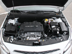 2015款经典版 1.5L 手动SL 发动机