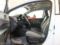 空间座椅爱唯欧两厢前排空间