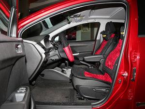 2016款1.5L 自动Mickey定制版 前排空间