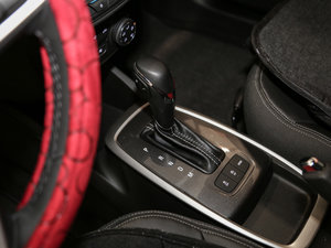 2016款1.5L 自动Mickey定制版 变速挡杆
