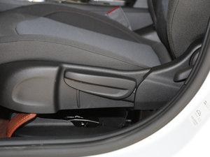 2017款1.4T DCG先锋天窗版 座椅调节
