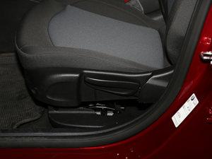 2017款1.5L 自动先锋天窗版 座椅调节