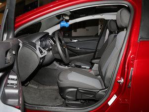 2017款1.5L 自动先锋天窗版 前排空间
