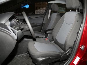 2017款1.5L 自动先锋天窗版 前排座椅
