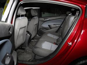 2017款1.5L 自动先锋天窗版 后排空间
