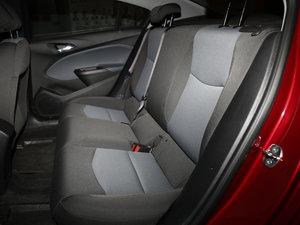 2017款1.5L 自动先锋天窗版 后排座椅