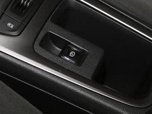 2017款1.5L 自动先锋天窗版 驻车制动器