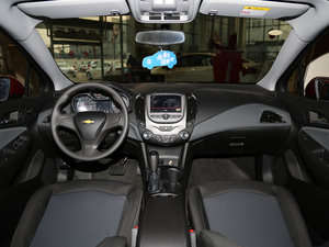 2017款1.5L 自动先锋天窗版 全景内饰