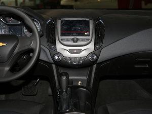 2017款1.5L 自动先锋天窗版 中控台