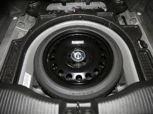 2017款1.4T 创:战纪定制版 备胎