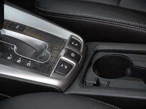 2017款2.4L 自动两驱豪华版 7座 驻车制动器