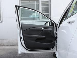 2018款320 自动欣享版 天窗 驾驶位车门