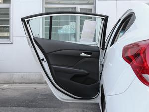 2018款320 自动欣享版 天窗 后车门